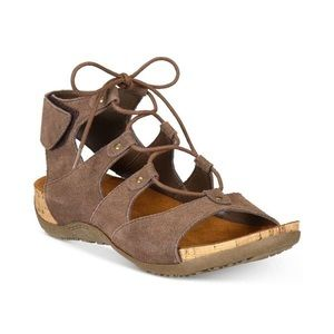BearPaw Strappy Sandals
